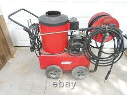 Hotsy 550 115V Diesel or Kerosene, 2.2 GPM @ 1000PSI Hot Water Pressure Washer
