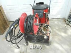 Hotsy 550 115V Diesel or Kerosene, 2.2 GPM @ 1300PSI Hot Water Pressure Washer